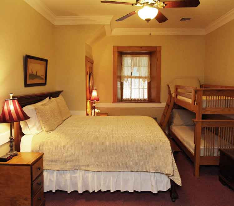 Lodging near Spooky Nook Sports Complex