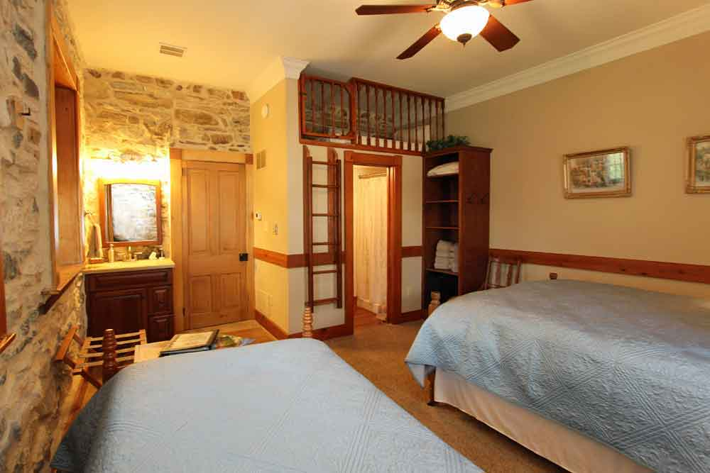 Lancaster County Lodging at Rocky Acre Farm Bed and Breakfast